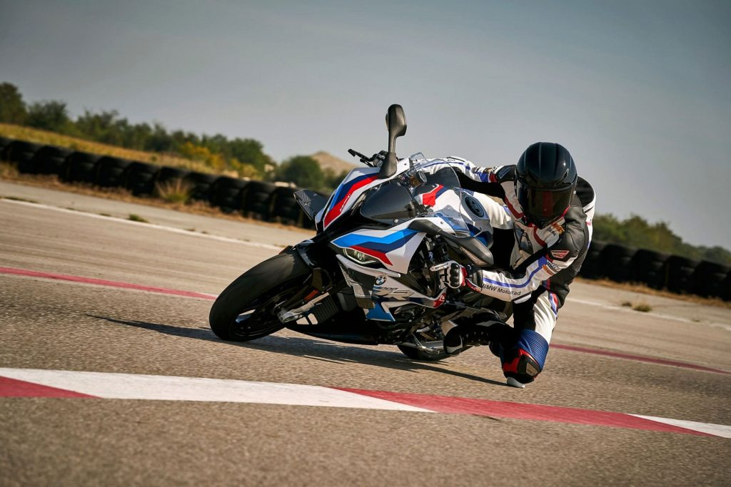 the new bmw m 1000 r